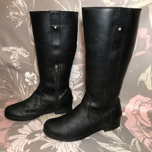 UGG Black Leather Tall Riding Boots Sz 8.5 Lined